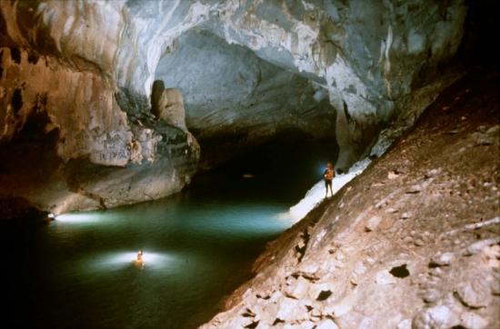 U.S. television makes film about Phong Nha – Ke Bang caves