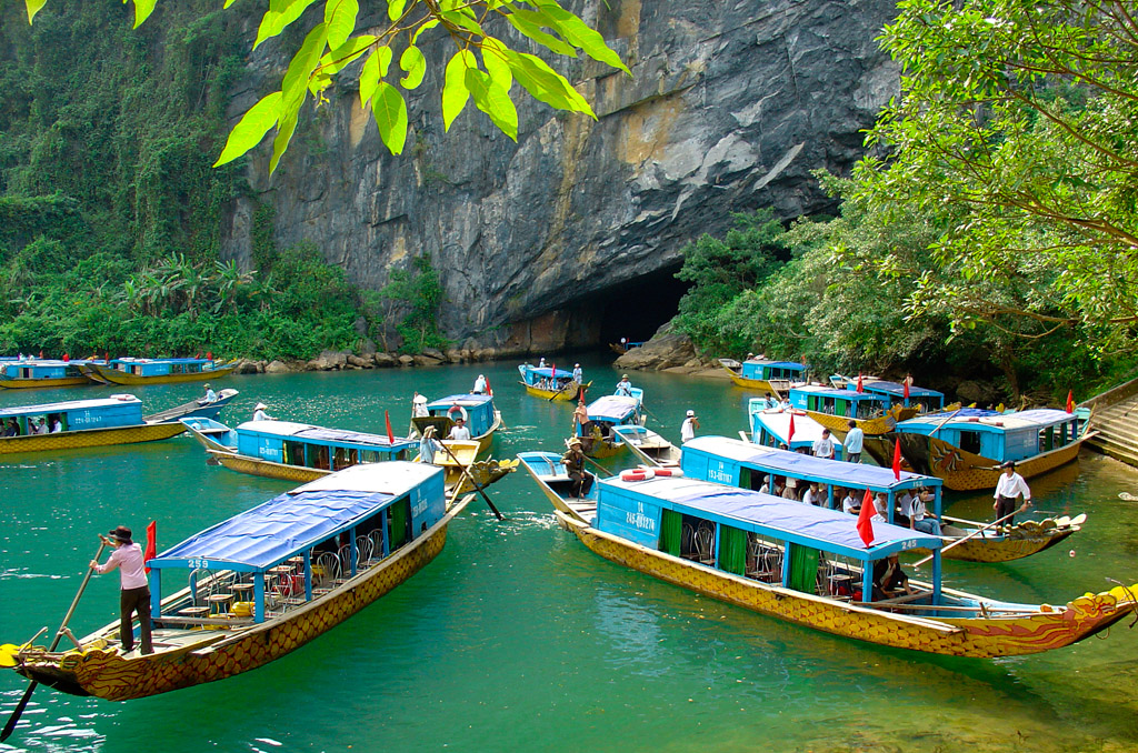 Phong Nha Tour from Hue City