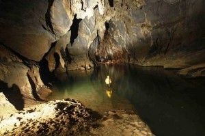 Phong Nha Dark cave