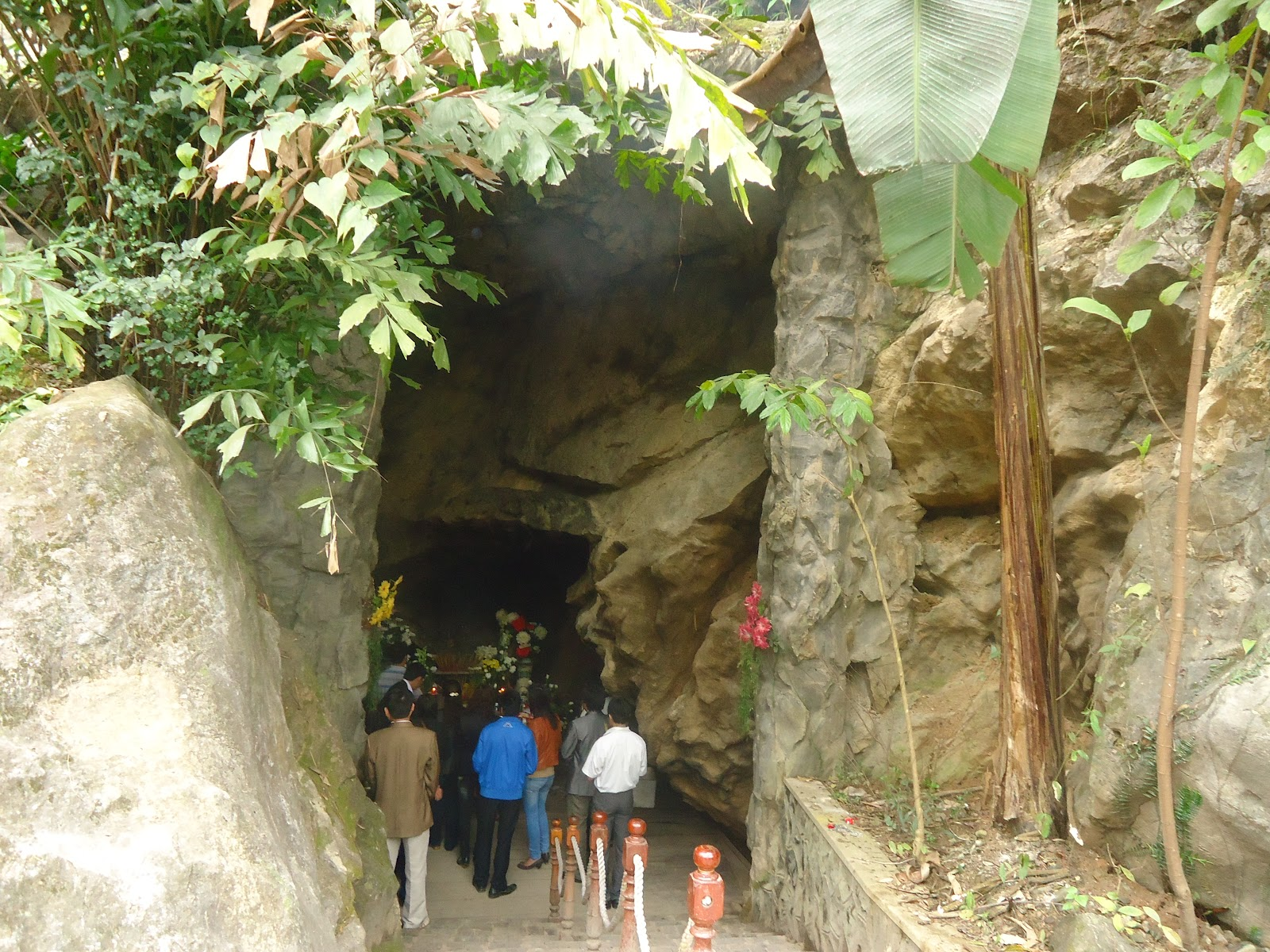 Cave of Eight Voluntary Youths